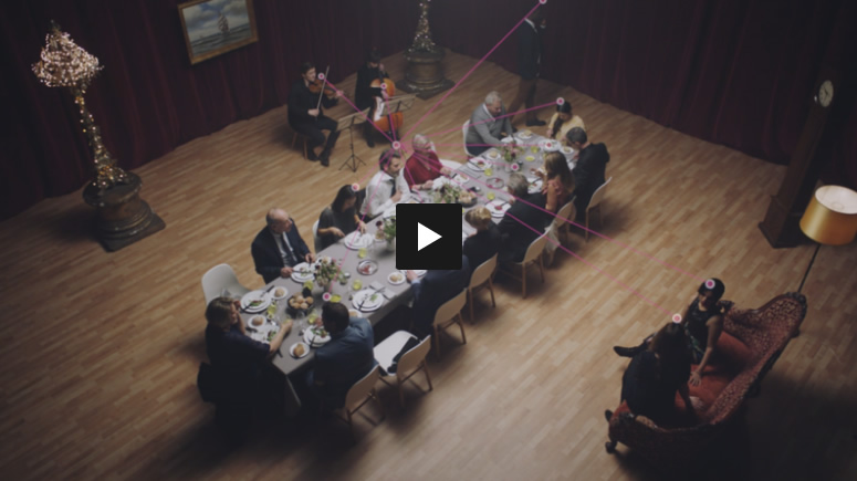 Staying social with a hearing loss video by Oticon.